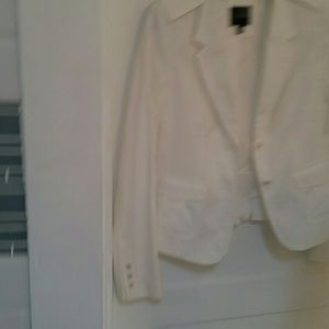 White military look limited blazer.